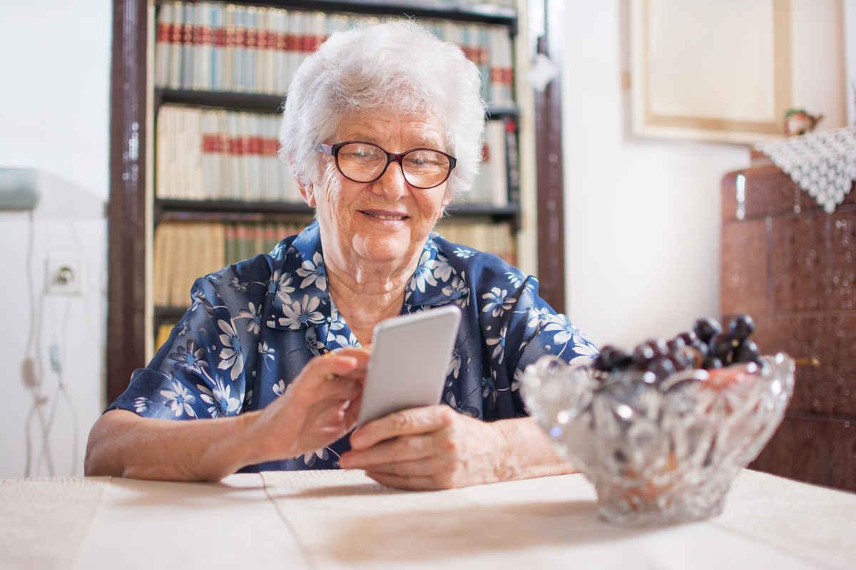 simple video phone for elderly