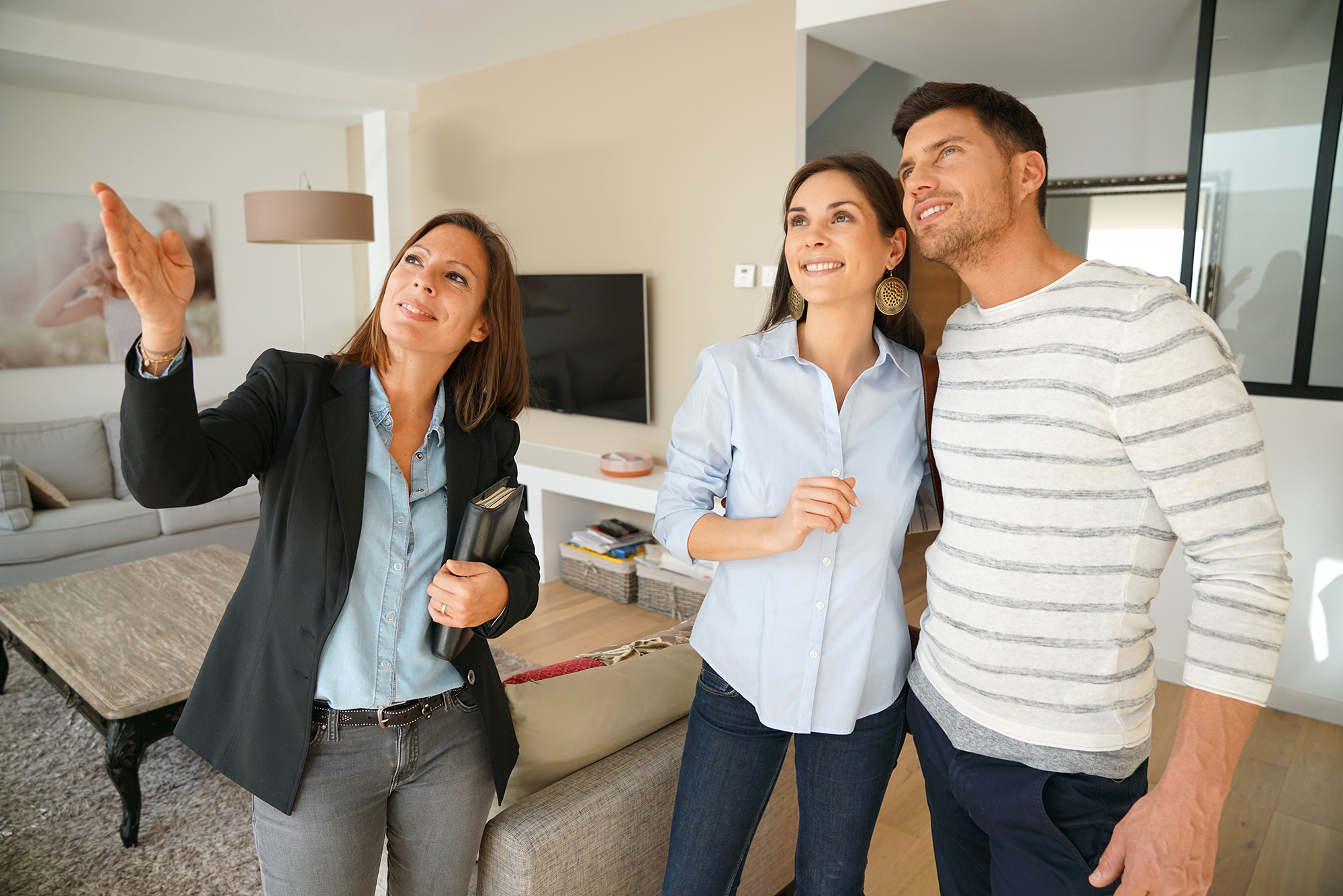 Why Do Modern Estate-Agents Concentrate More On Customer-Relationship